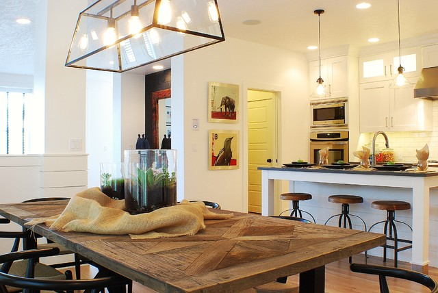 Modern Farmhouse Dining RoomKitchen