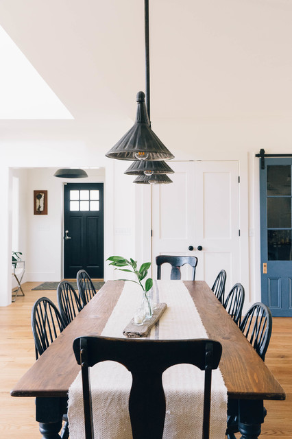 Modern Industrial Farmhouse Country Dining Room Other By Dessa Lea Productions Houzz Au