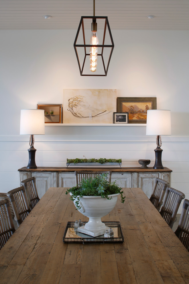 Dining room - country dining room idea in San Diego