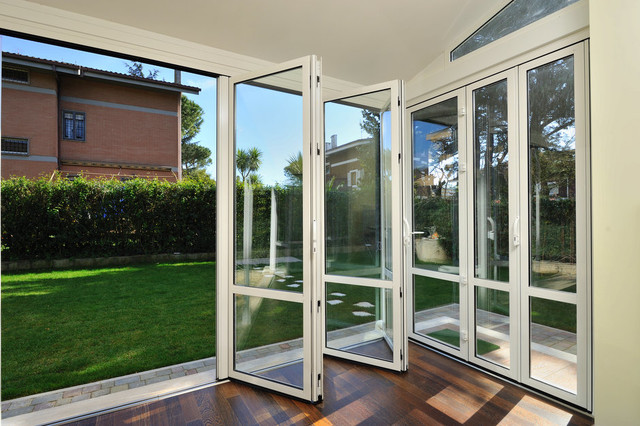 Folding Exterior Screen Doors 640 x 426