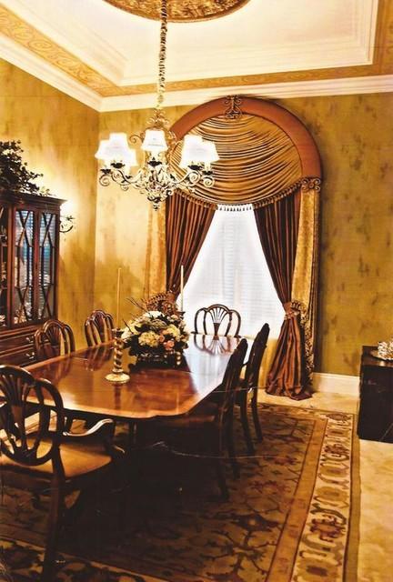 Moody Residence mediterranean-dining-room