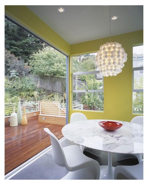 comedor con paredes amarillas