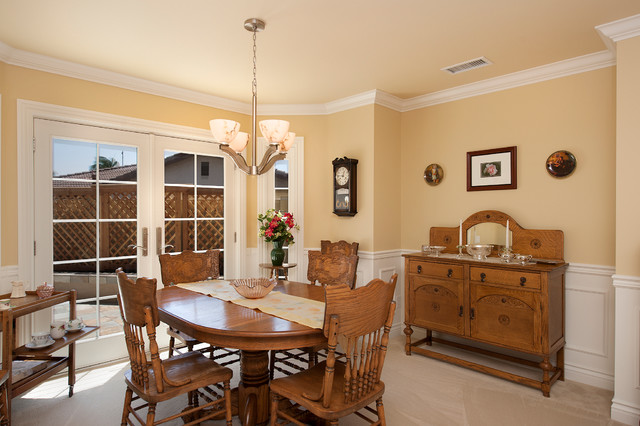 Murphy traditional-dining-room