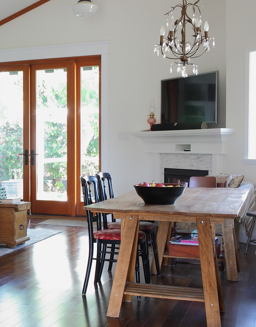 My houzz 1940s fixer upper grows up with the family for Fixer upper best dining rooms