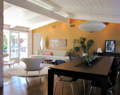 My Houzz: A Cliff May Home Leads the Way in Long Beach midcentury-dining-room