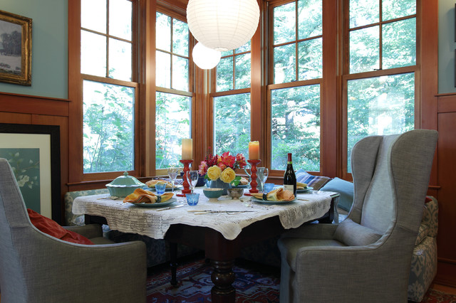 Bon Inspiration For A Transitional Medium Tone Wood Floor Dining Room Remodel  In San Francisco With Blue