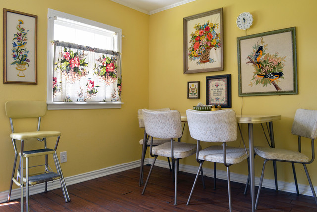 My Houzz: A 'Whimsical Museum Gallery' in Texas エクレクティック-ダイニング