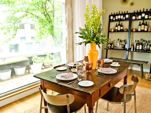 Contemporary Dining Room by Chicago Photographers Cynthia Lynn Photography