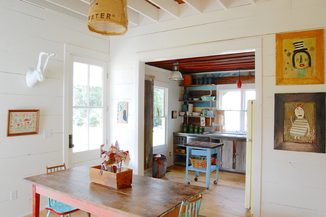 My Houzz Colorful Vintage Finds fill a Chic Modern Farmhouse