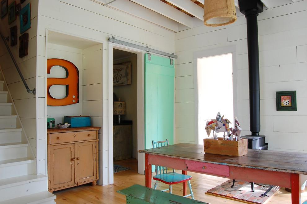 Dining room - farmhouse dining room idea in New York