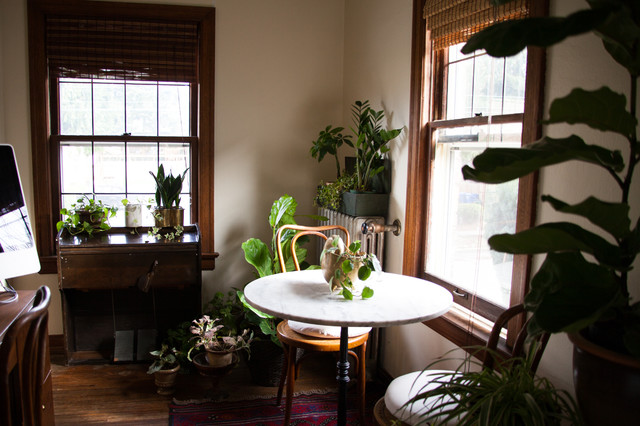My Houzz Creative Couple Furnishes A 1920s Rental With Vintage Finds Eclectic Dining