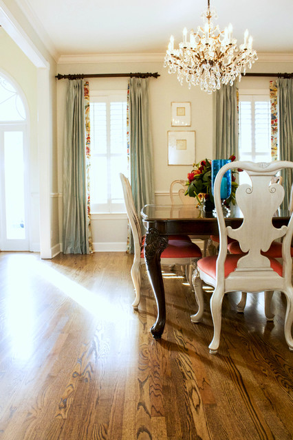 Example of an ornate dining room design in Tampa