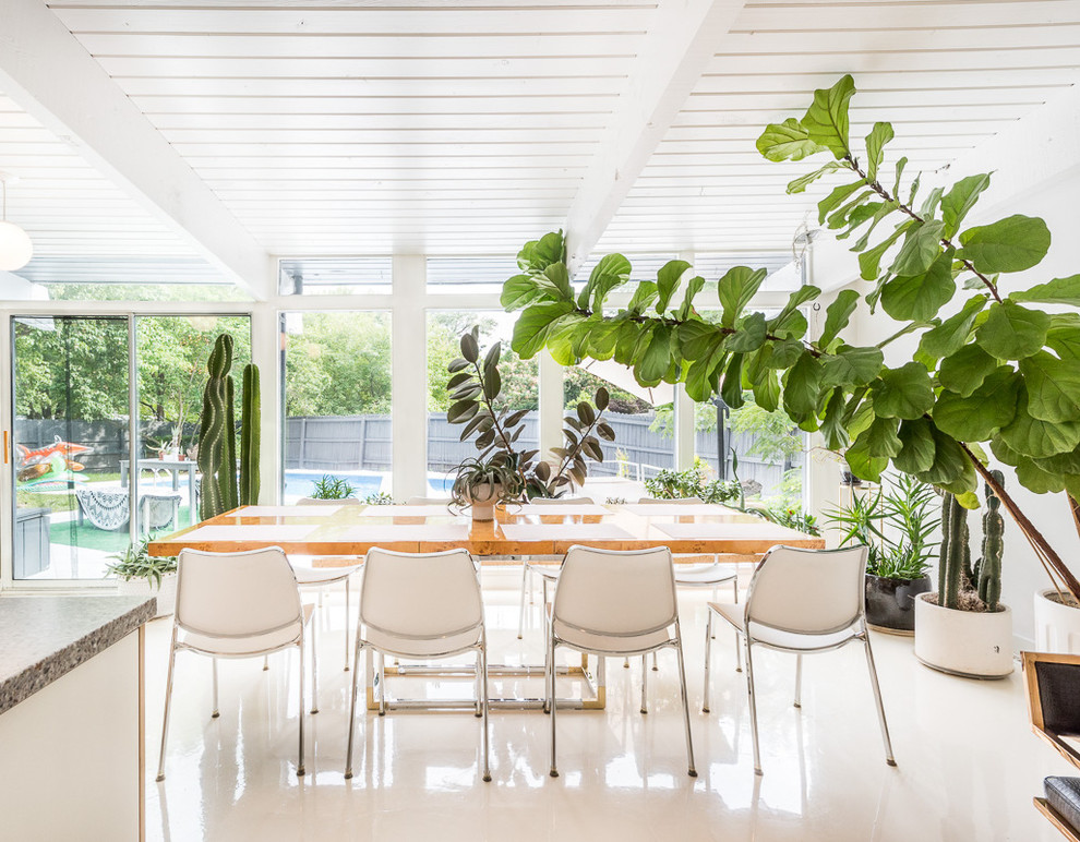 My Houzz Lush Oasis In A Modern Indoor Outdoor Family Home Contemporary Dining Room Kansas City By Sarah Terranova