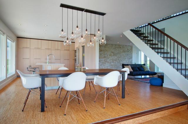 My Houzz: Niagara Vineyard Renovation contemporary-dining-room
