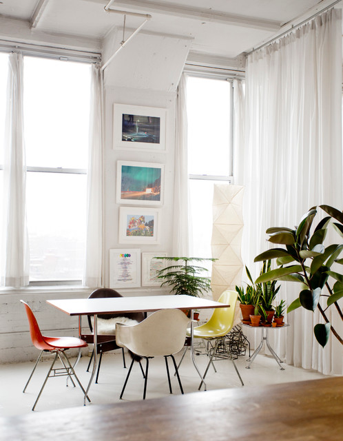 My houzz walls of art and glass in a brooklyn loft for Houzz dining room wall art
