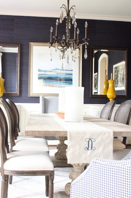 Grasscloth dining