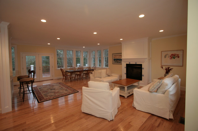 Nice open living area Traditional Dining Room Other