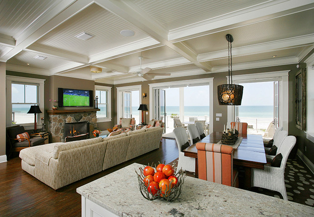 Dining room - beach style dining room idea in Tampa