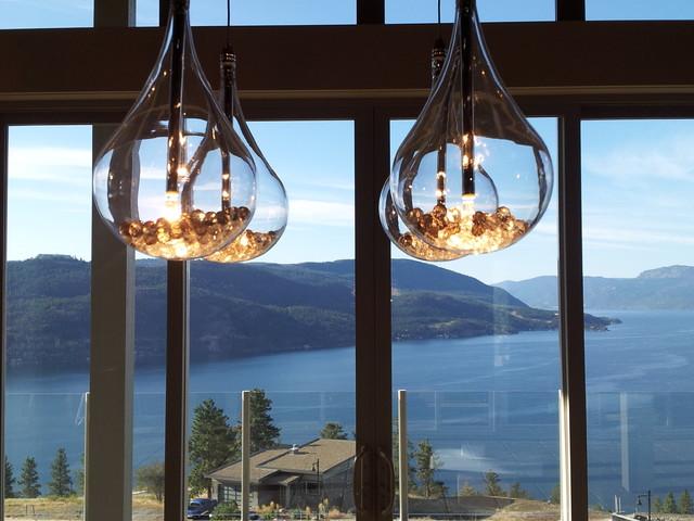 Okanagan Adventure Bay Residence modern-dining-room
