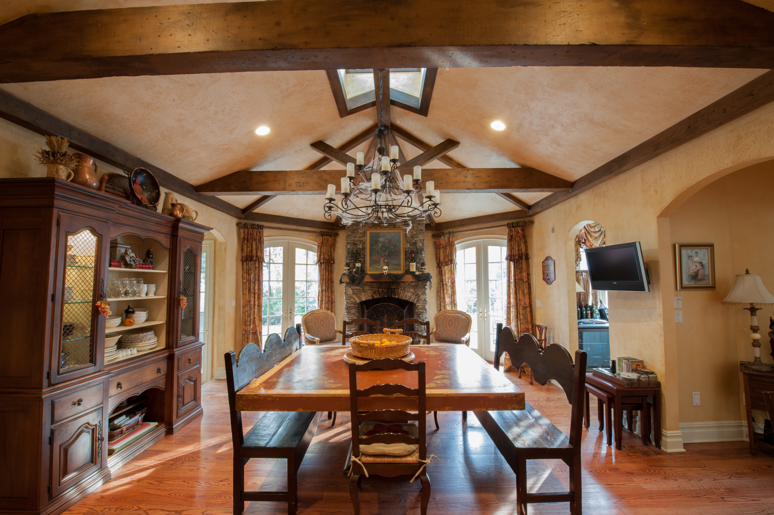 Old-fashioned dining room