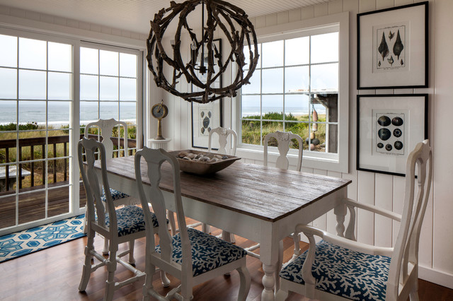 Delicieux Inspiration For A Beach Style Medium Tone Wood Floor Dining Room Remodel In  Seattle With White