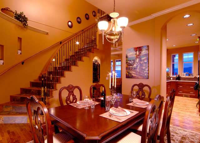Painting projects in kelowna bc for Dining room tables kelowna