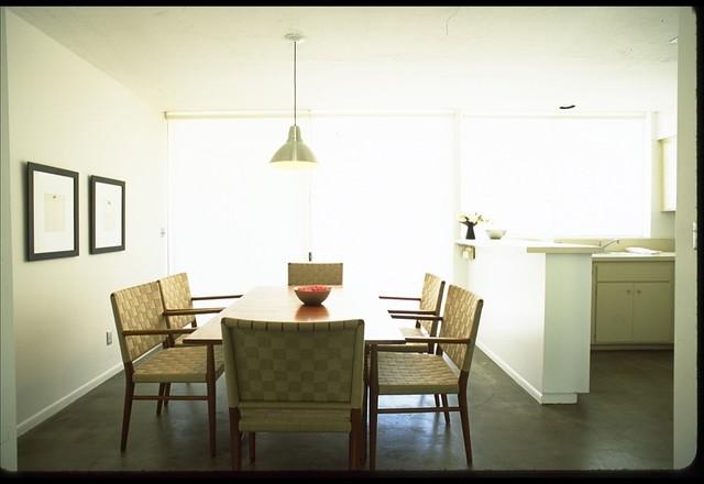 palm desert modern-dining-room
