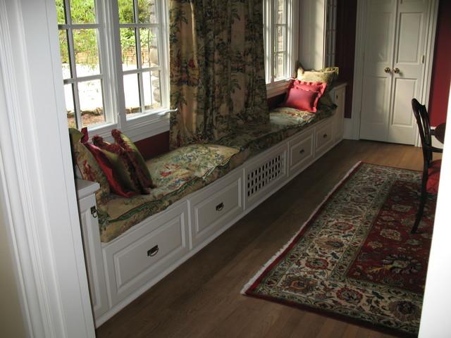 Pamela Foster & Associates, Inc. traditional-dining-room