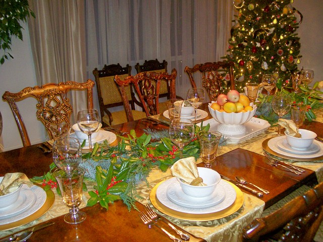 Pamela Robey traditional-dining-room