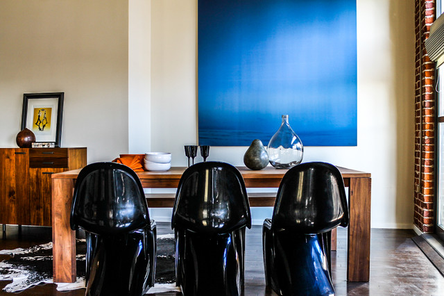 Panton S Chairs in Black, Rustic Table