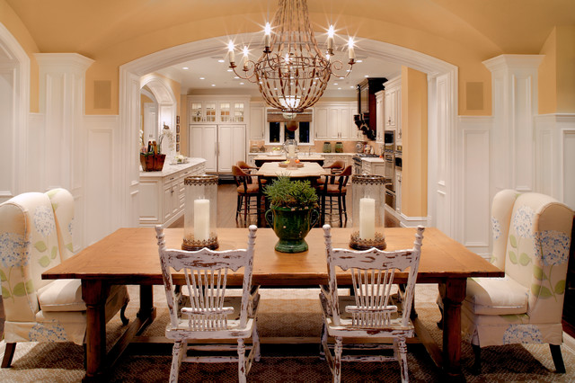 Paradise Valley Estate traditional-dining-room
