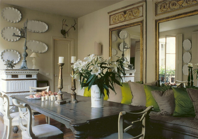 Paris apartments eclectic dining room other metro for Best dining rooms paris