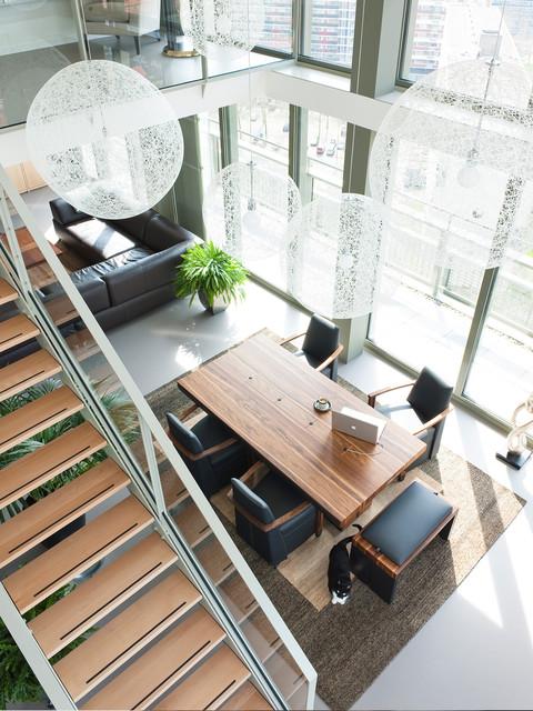 Penthouse livingroom modern-dining-room