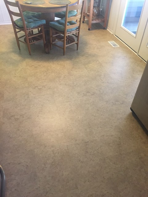 Pics of us floors coretec plus amalfi beige on a kitchen for Wooden flooring dealers