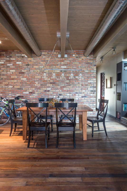 Pioneer Style Meets Industrial Loft