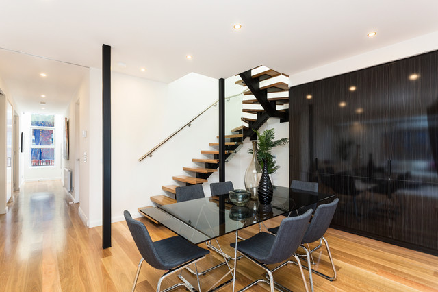 Port melbourne contemporary dining room melbourne for Dining room 211 melbourne