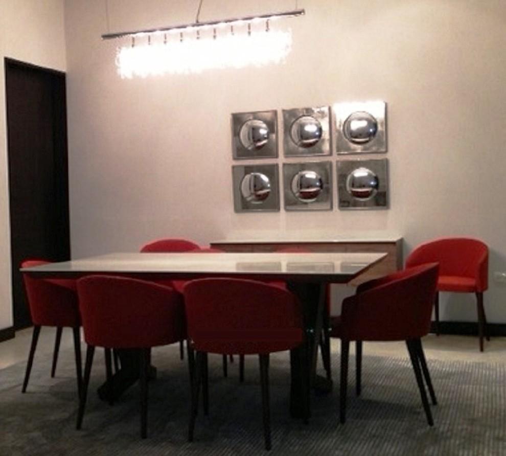 Dining room - modern dining room idea in Los Angeles