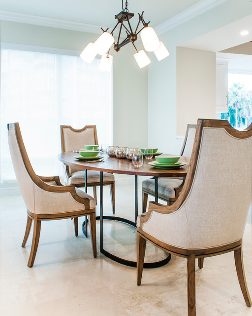Private beachfront condo beach style dining room for Best private dining rooms miami