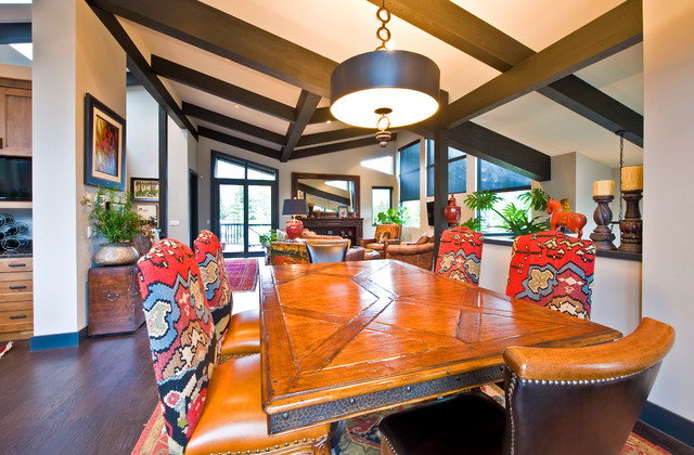Private Residence traditional-dining-room