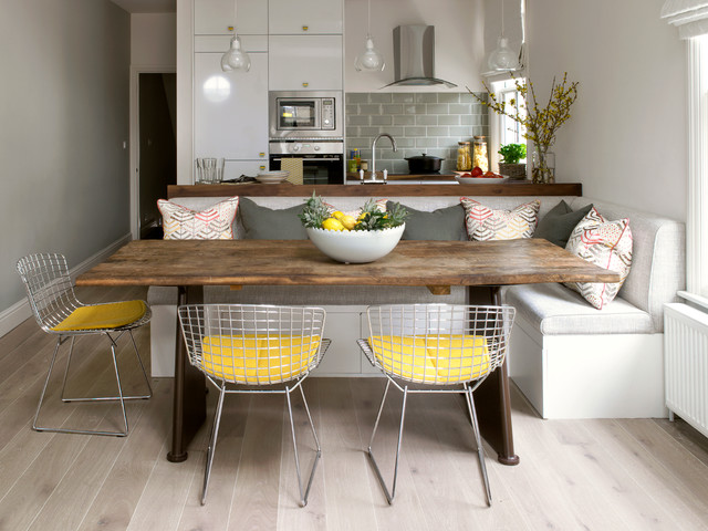 Superbe Trendy Light Wood Floor And Beige Floor Kitchen/dining Room Combo Photo In  London With