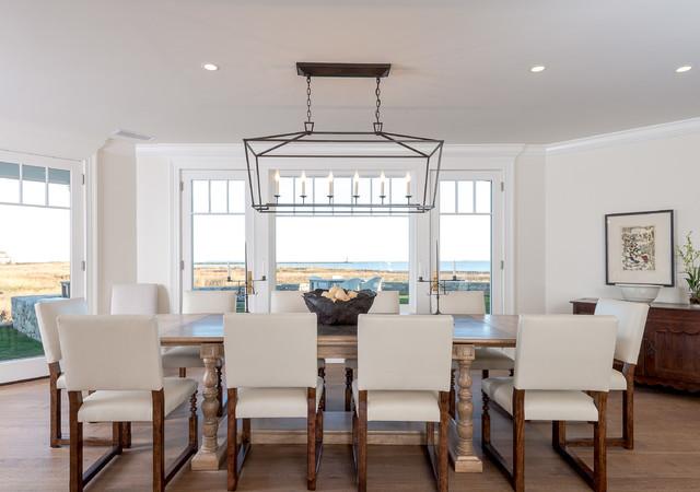 queen anne shingle style beach house bord de mer salle manger los angeles par interior. Black Bedroom Furniture Sets. Home Design Ideas