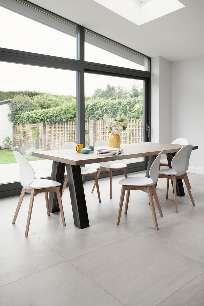Example of a danish dining room design in Dublin