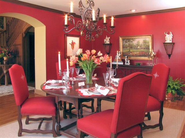 Red dining room for Traditional red dining room