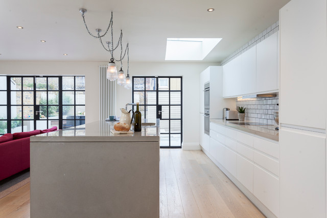 Narbonne Avenue Transitional Kitchen London By London Joinery Company Green Sheen