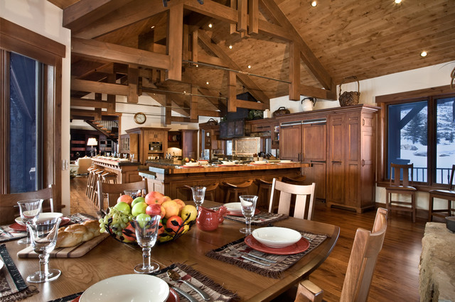River Bend Ranch traditional-dining-room