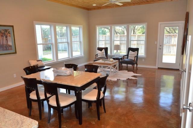 ROCKPORT FULTON BEACH VILLAS Tropical Dining Room