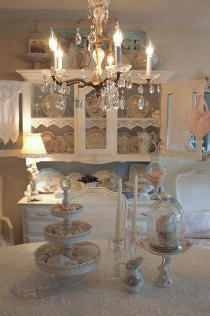 Romantic cottage for Romantic homes decorating