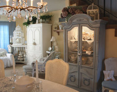 romantic home traditional-dining-room