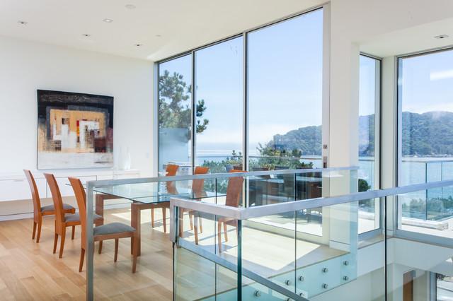 Linda Vista modern-dining-room