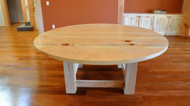 Round pine dining table rustic dining room san for Pine dining room table